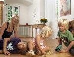 Wohnzimmer Kinder spielen